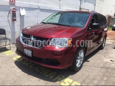 Foto venta Auto usado Dodge Grand Caravan 5p SXT V6/3.6 Aut (2017) color Rojo precio $375,000