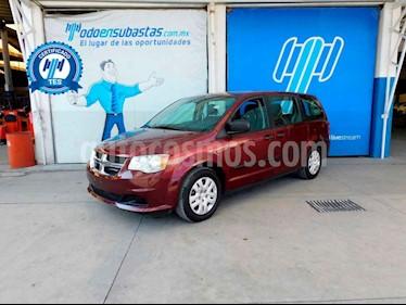Dodge Grand Caravan 5p SE V6/3.6 Aut usado (2017) color Vino Tinto precio $155,000