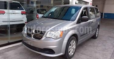 Foto Dodge Grand Caravan 5p SE V6/3.6 Aut usado (2017) color Plata precio $199,900