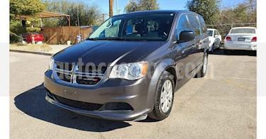 Dodge Grand Caravan 5p SE V6/3.6 Aut usado (2017) color Gris precio $163,800
