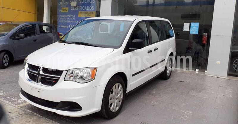 Dodge Grand Caravan 5p SE V6/3.6 Aut usado (2017) color Blanco precio $184,900