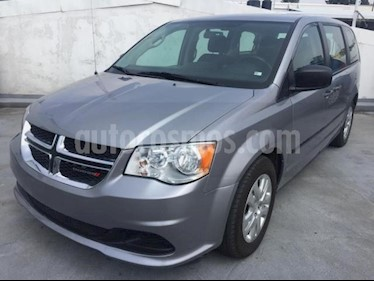 Dodge Grand Caravan 5P SE TA VE DEL. R-17 usado (2017) color Plata precio $275,500