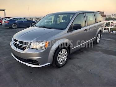 Dodge Grand Caravan SE usado (2018) color Plata precio $264,900