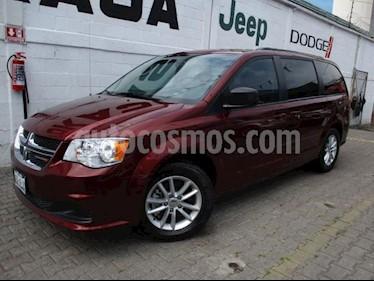 Dodge Grand Caravan 5P SXT V6/3.6 AUT usado (2017) color Rojo precio $365,000