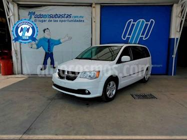 Dodge Grand Caravan 5p SXT Plus V6/3.6 Aut usado (2017) color Blanco precio $205,000