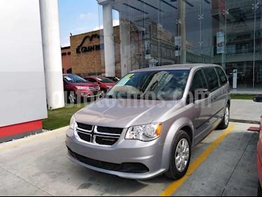 Dodge Grand Caravan SE usado (2017) color Plata precio $240,000