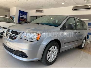 Foto venta Auto usado Dodge Grand Caravan SE (2017) color Plata precio $214,900