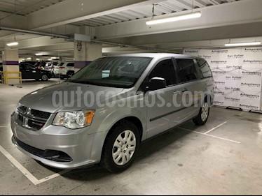 Foto venta Auto usado Dodge Grand Caravan SE (2017) color Plata precio $315,000