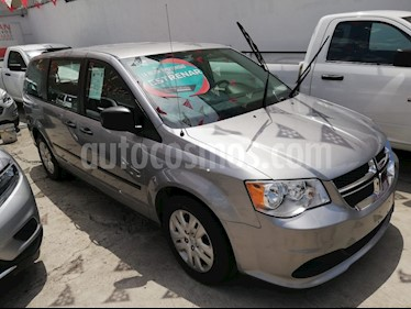 Foto Dodge Grand Caravan SE usado (2017) color Plata Martillado precio $340,000
