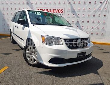 Foto venta Auto usado Dodge Grand Caravan SE (2017) color Blanco precio $304,000
