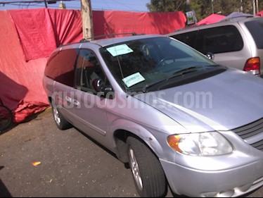 Foto Dodge Grand Caravan SXT+ usado (2005) color Plata Martillado precio $68,000