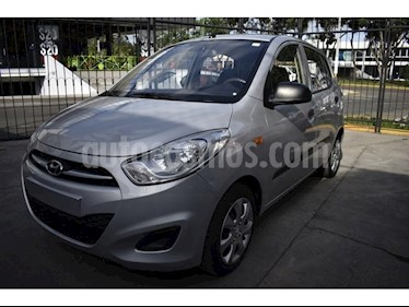 Foto venta Auto Seminuevo Dodge i10 GL Plus (2014) color Plata precio $105,000