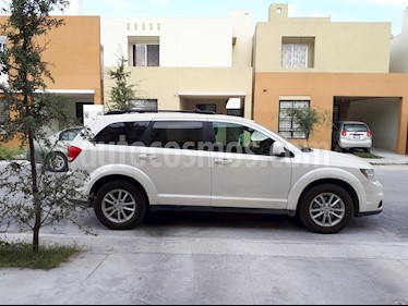 Dodge Journey SXT 2.4L 5 Pasajeros usado (2015) color Blanco precio $240,000