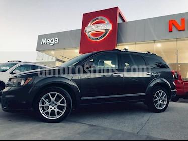 Foto venta Auto Seminuevo Dodge Journey R-T 3.5L (2016) color Gris precio $325,000