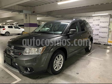 Foto venta Auto usado Dodge Journey Sport 2.4L 7 Pasajeros  (2017) color Gris precio $300,000