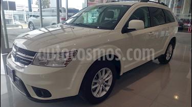 Foto venta Auto Seminuevo Dodge Journey SXT 2.4L 7 Pasajeros (2017) color Blanco precio $333,000