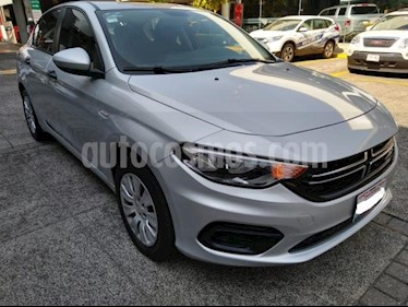 Dodge Neon 4P SE 1.4L TM6 RA-16 usado (2017) color Plata precio $179,000