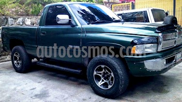 foto Dodge Ram 2500 Pick Up 4x2 usado (1998) color Verde precio BoF35.000