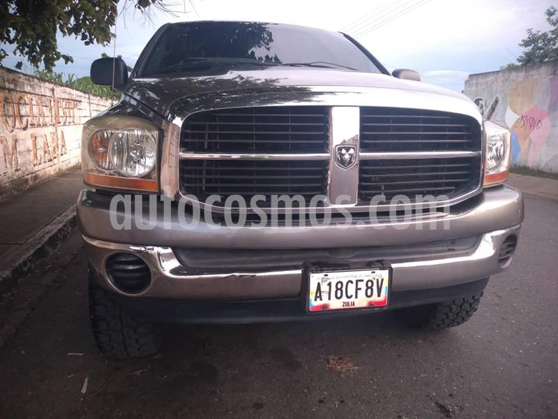 Dodge Ram 2500 Pick Up 4x4 usado (2006) color Gris precio u$s8.000