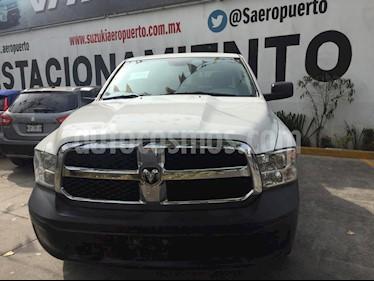 Dodge Ram Wagon 1500 SLT V8 usado (2017) color Blanco precio $370,000