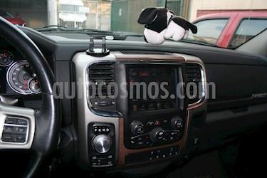 Dodge Ram 1500 5.7L HEMI Crew Cab 4X4 Aut usado (2014) color Negro precio $18.000.000