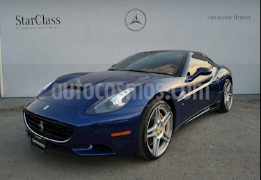 Foto Ferrari California T usado (2011) color Azul precio $2,399,900