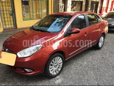 FIAT Grand Siena Attractive usado (2013) color Rojo Borgona precio $400.000
