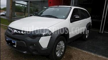 Foto venta Auto Usado Fiat Palio 5P ELX 1.6 (2017) color Blanco