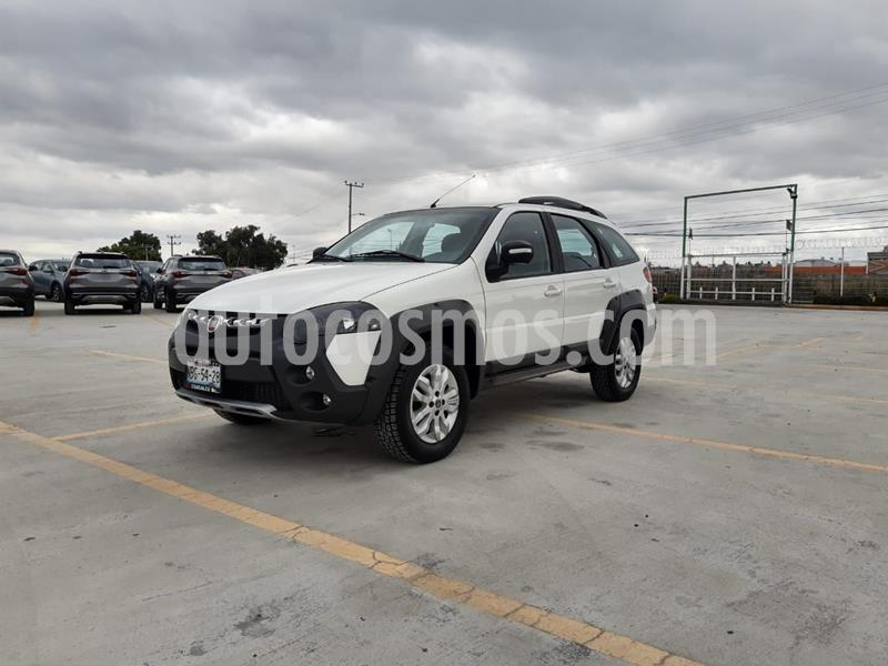 Fiat Palio 5P 1.6L usado (2017) color Blanco precio $179,000