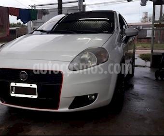 Foto venta Auto usado Fiat Punto 5P 1.4 Attractive (2011) color Blanco