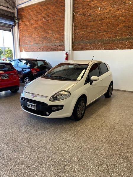 FIAT Punto 5P 1.4 Attractive usado (2015) color Blanco Banchisa precio $890.000