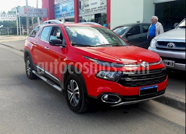 Foto venta Auto usado Fiat Toro Volcano 4x4 CD Aut Pack Premium (2017) color Rojo precio $970.000