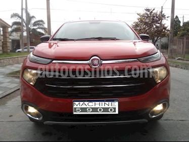 Foto venta Auto usado Fiat Toro Volcano 4x4 CD Aut Pack Premium (2017) color Rojo precio $899.000