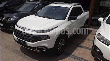 Foto venta Auto usado Fiat Toro Volcano 4x4 CD Aut (2017) color Blanco precio $450.000