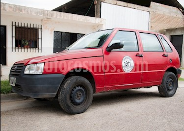 Foto FIAT Uno Fire 5P usado (2009) color Rojo Alpine precio $100.000