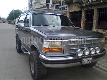 Ford Bronco XLT 4x4 V8 5.0i 16V usado (1993) color Gris precio u$s3.000