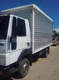 Ford Cargo 815 furgon usado (2010) color Blanco precio u$s7.000