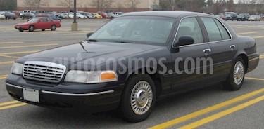 Foto venta carro Usado Ford Crown Victoria Auto. V-8 4.6 Fuel Injection (1998) color Negro precio u$s2.500