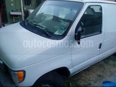 Foto Ford E-150 V8 usado (2002) color Blanco precio $58,000