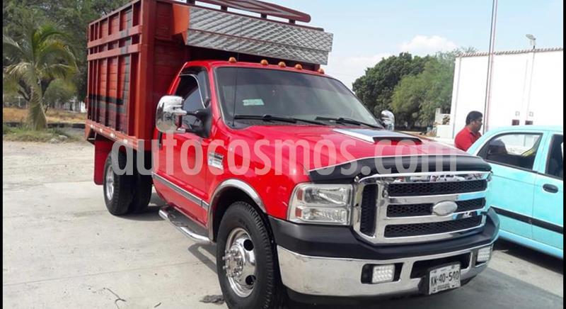 Ford E-350 XL V8 15 Pas usado (2006) color Rojo precio $120,000