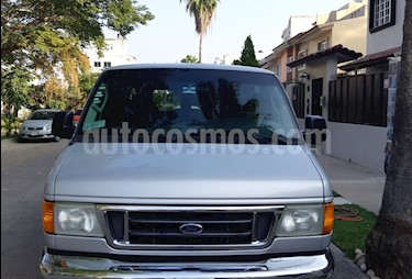 Foto venta Auto usado Ford Econoline E-350 Wagon 5.4L V8 (15 Pasajeros) (2006) color Gris precio $142,000