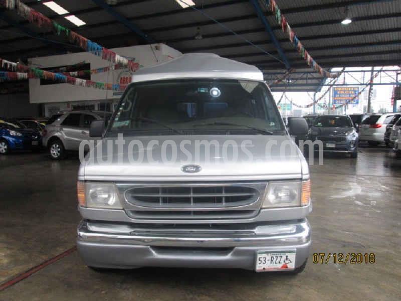 Ford Econoline E-150 Wagon 4.6L V8 (8 Pasajeros) usado (2001) color Gris precio $140,000