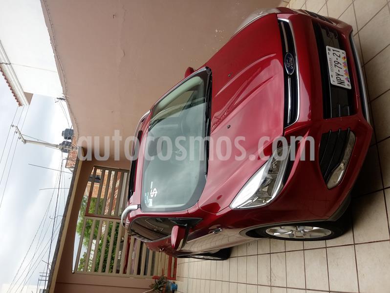 Ford Escape Titanium usado (2016) color Rojo Rubi precio $245,000