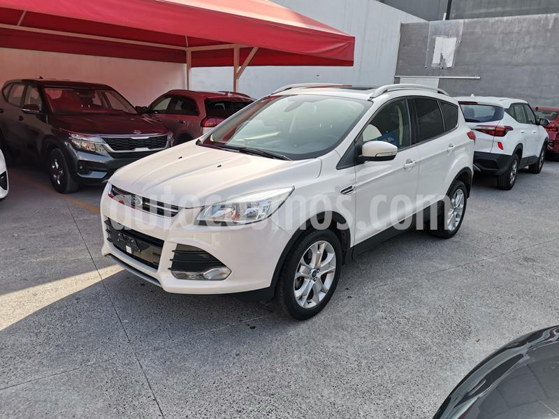 Ford Escape Titanium EcoBoost usado (2015) color Blanco Platinado precio $230,000