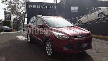 foto Ford Escape Titanium EcoBoost usado (2016) color Rojo Rubí precio $279,900