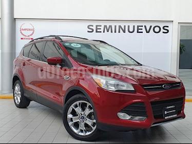 Ford Escape SE Plus usado (2014) color Rojo Rubi precio $219,000