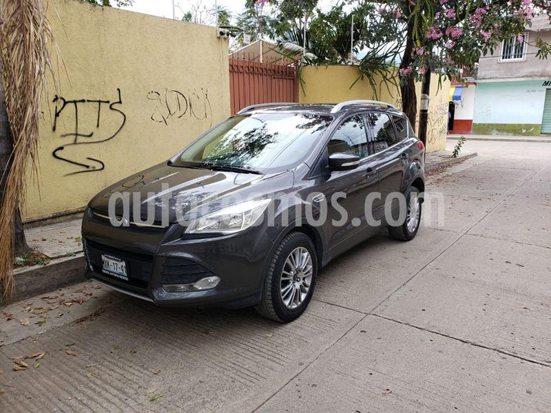 Ford Escape Trend Advance EcoBoost usado (2015) color Gris Nocturno precio $240,000
