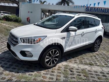 Ford Escape TITANIUM 2.5L usado (2017) color Blanco precio $330,000