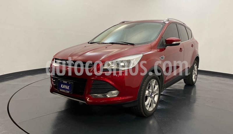Ford Escape Titanium usado (2016) color Rojo precio $277,999