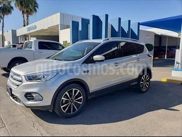 Foto Ford Escape Titanium usado (2017) color Plata precio $330,000